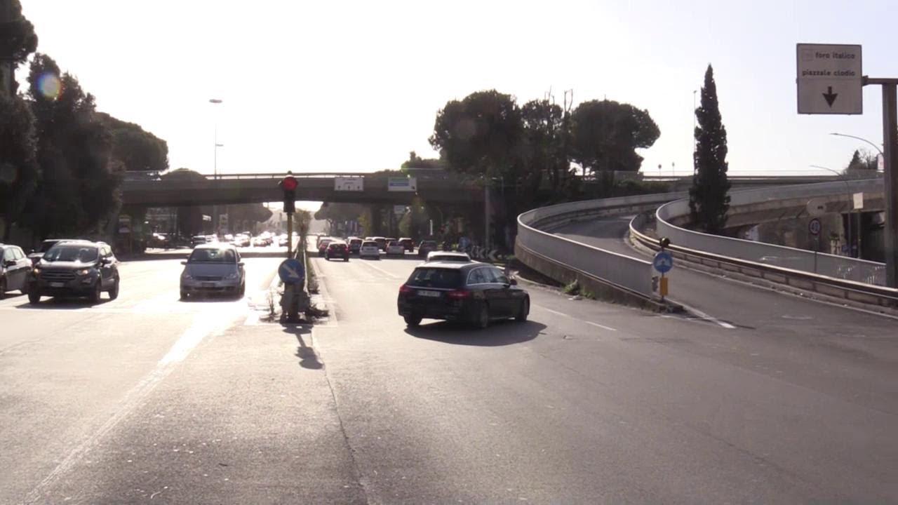 Ragazze investite e uccise a Roma semaforo