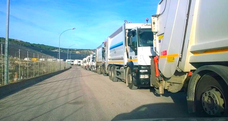 inquinamento in italia camion rifiuti