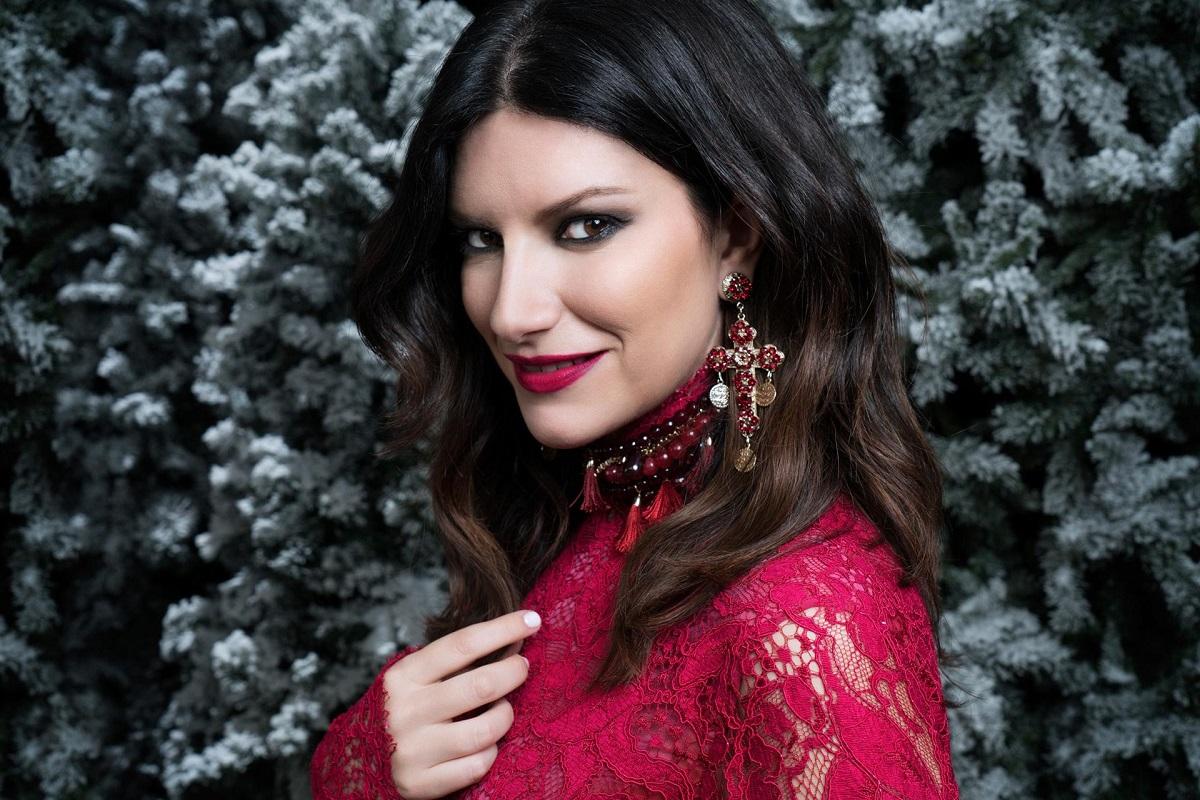 Laura Pausini Instagram in costume è una bomba, la sorella n