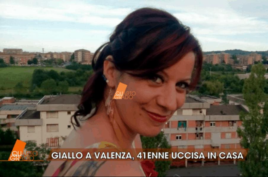 Maestra uccisa a Valenza: Ambra trovata seminuda e con il cr