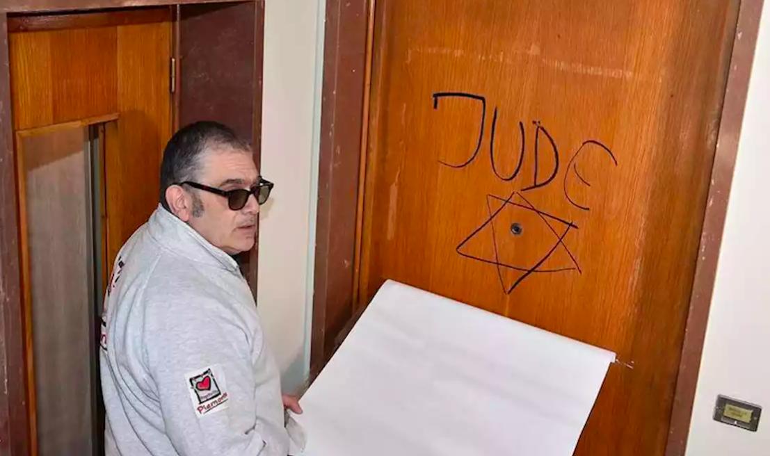 scritte antisemite Marcello Segre