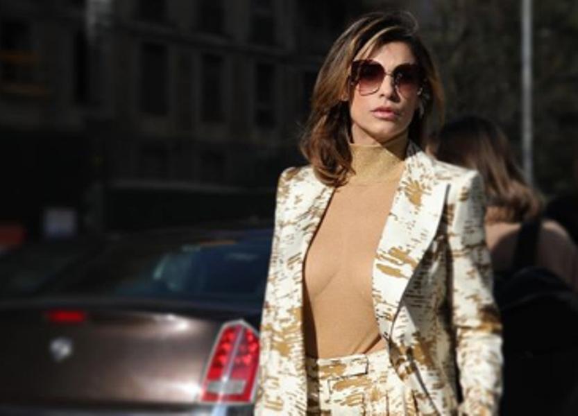 Elisabetta Canalis seno scoperto alla Milano Fashion Week 2020