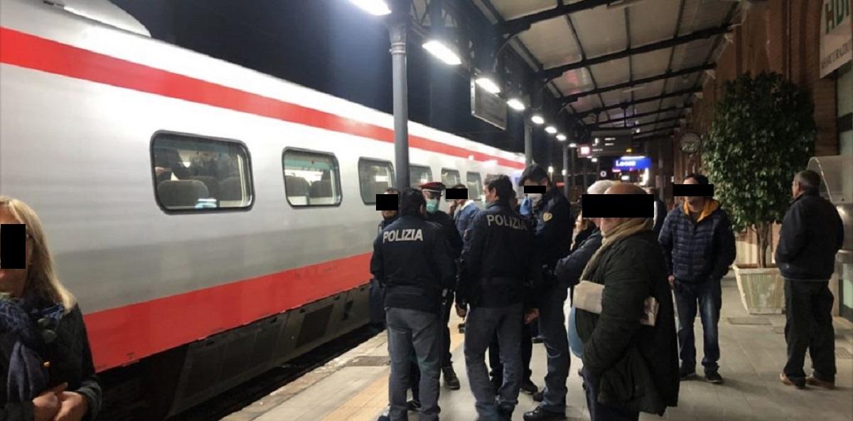 Coronavirus, allarme sul treno Roma Lecce: viaggiatore torna