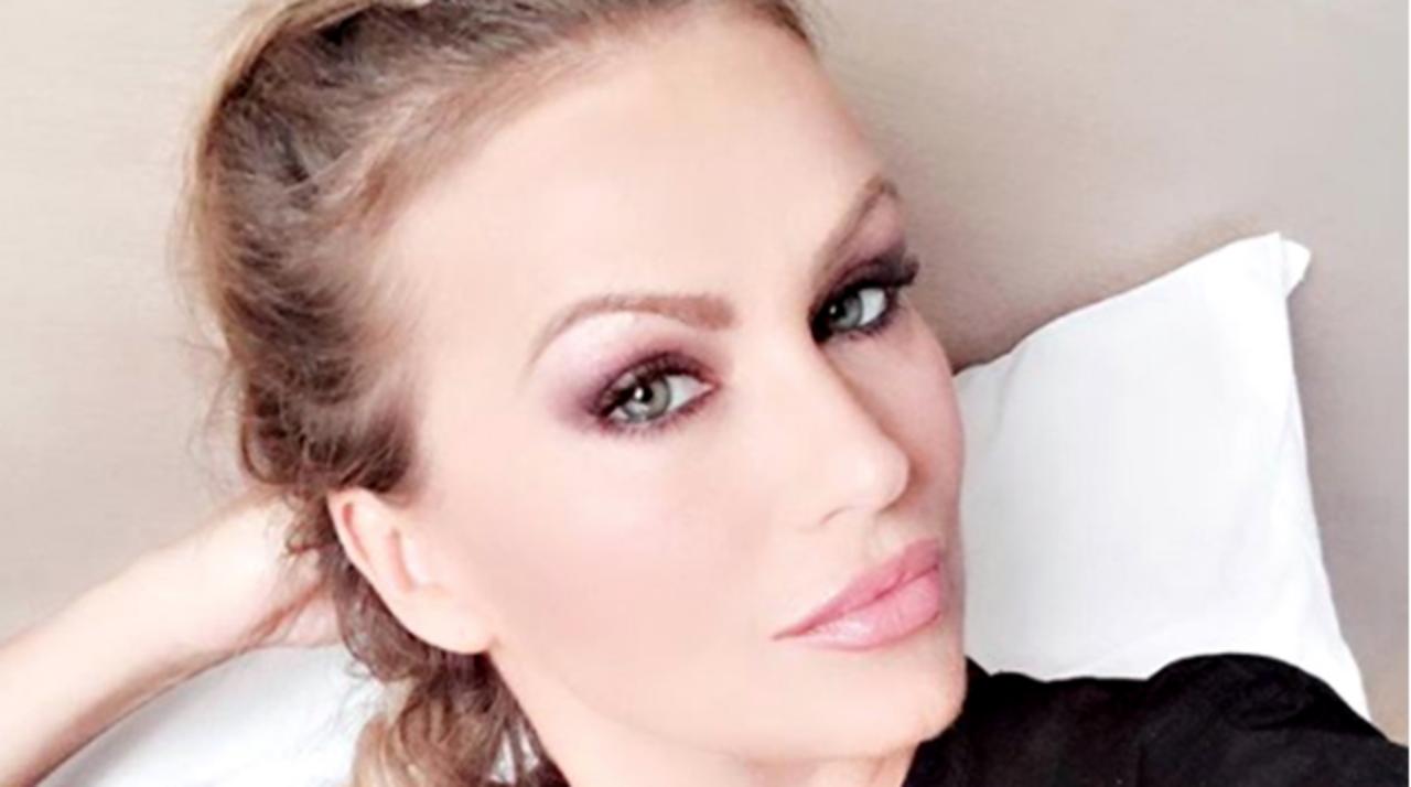 Eva Henger Instagram, bikini e tacchi a spillo sensuale in o