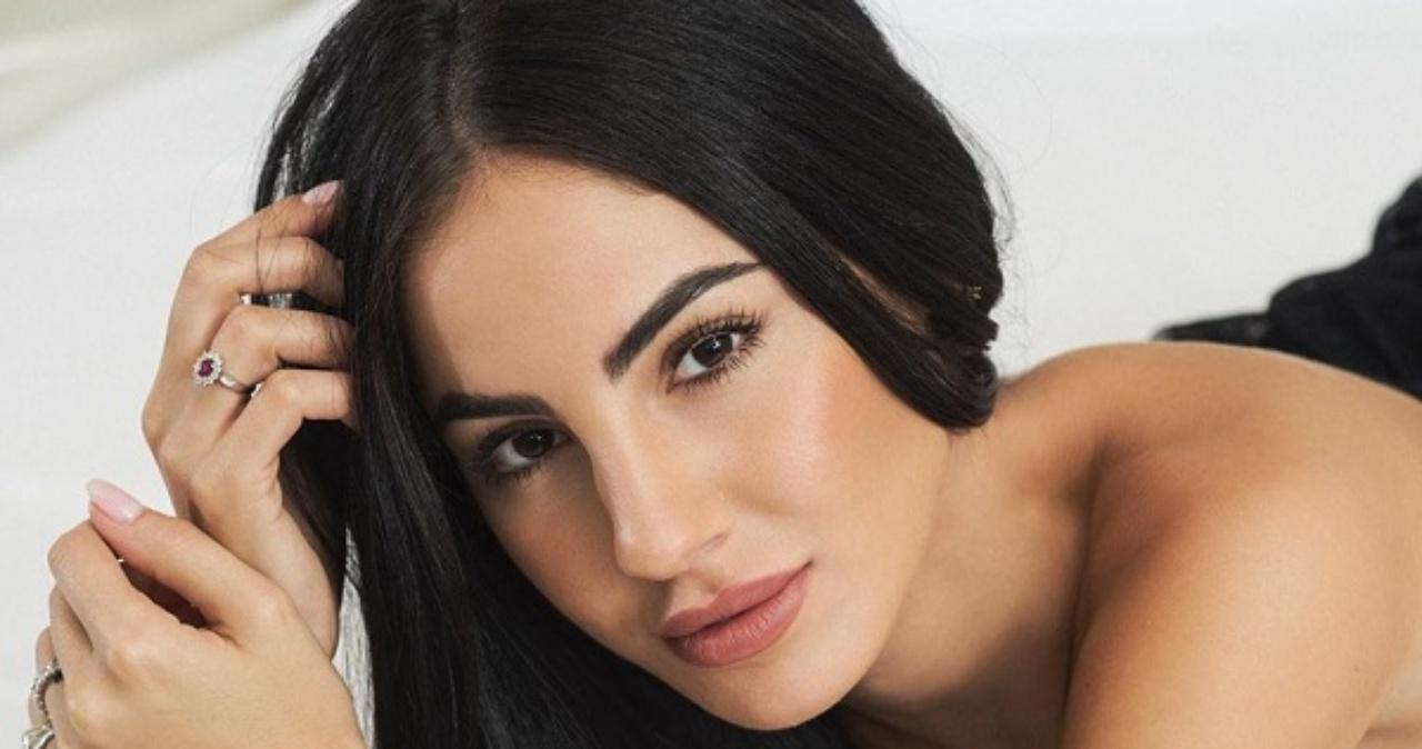 Giulia De Lellis Instagram, provocante e sensuale sulla limo