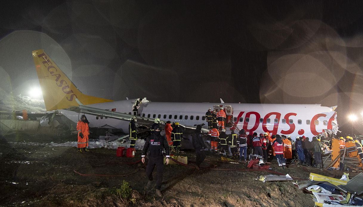 istanbul aereo spezzato