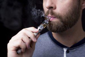 Sigarette elettroniche, per il 72% di chi le utilizza sono u