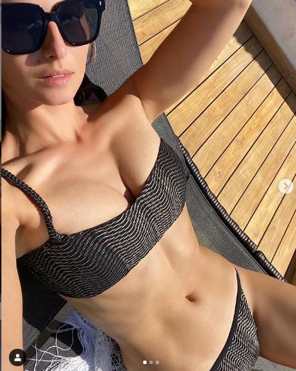 Anna Safroncik Instagram foto in costume