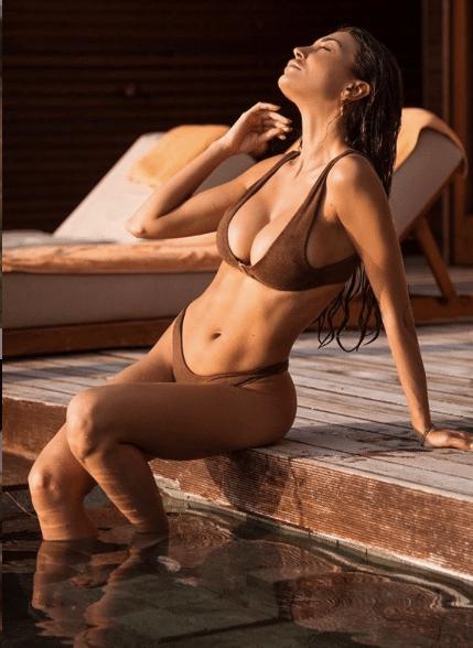 Cristina Buccino Instagram mini abito