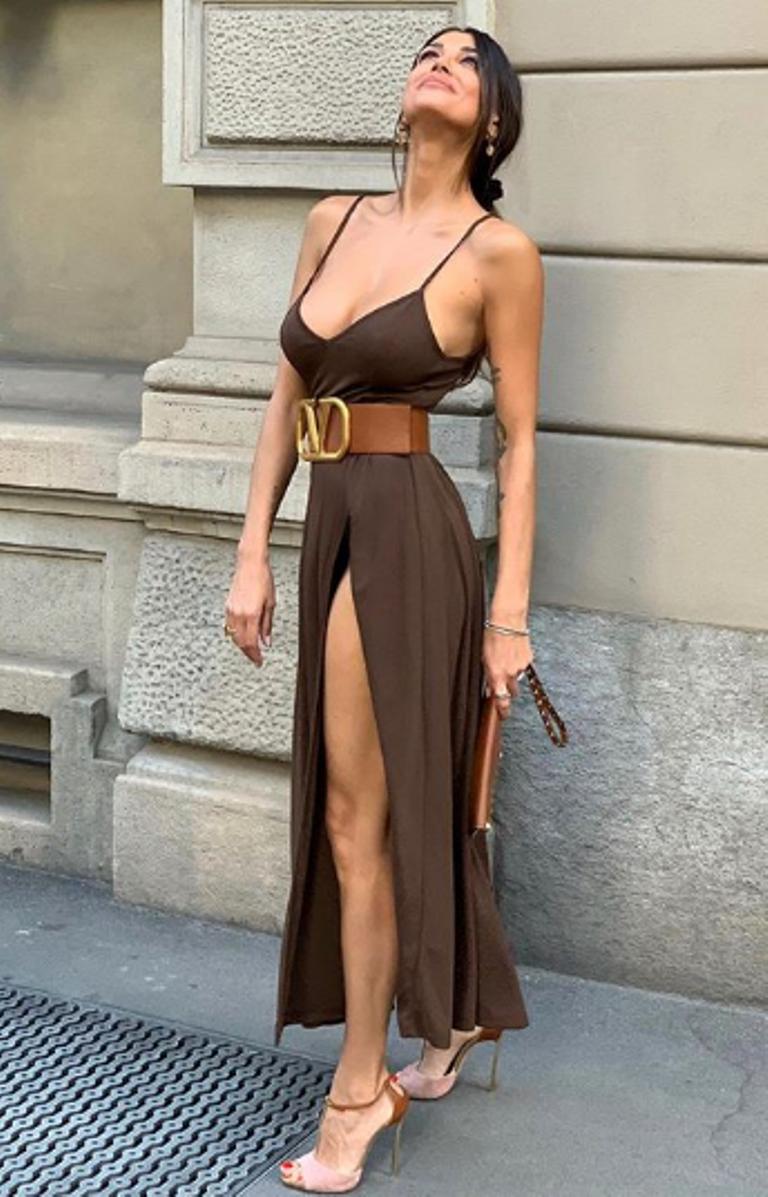 Cristina Buccino abito spacco inguinale