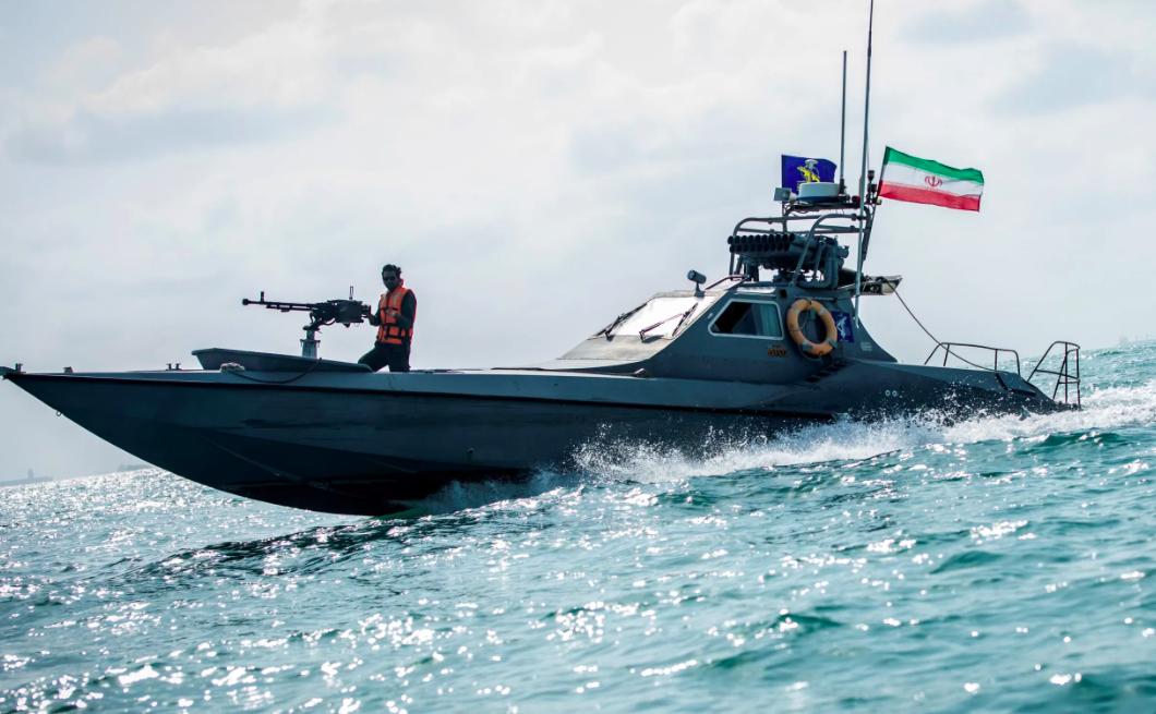 Iran nave colpita da missile