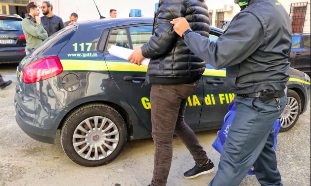 Mafia operazione Mani in pasta arresti