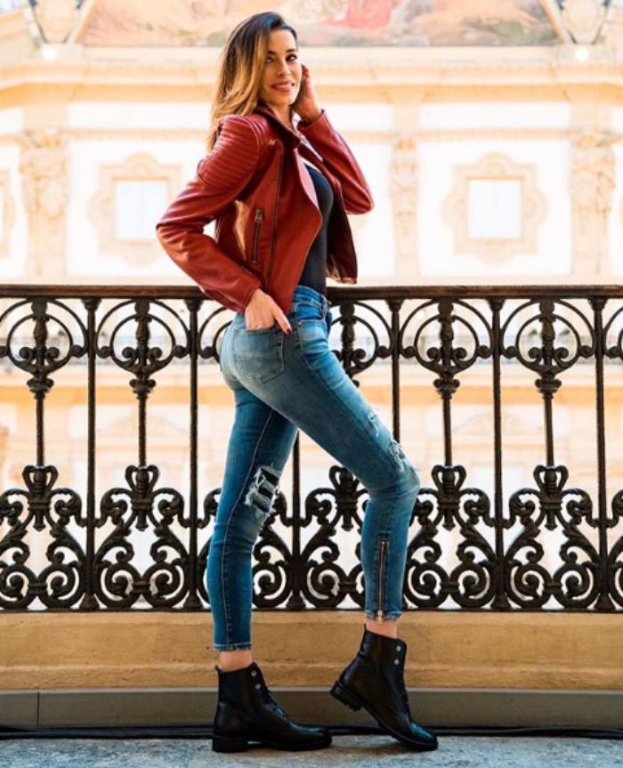 Aida Yespica Instagram, in costume incanta il Lago di Garda: «Sei meravigliosa!»