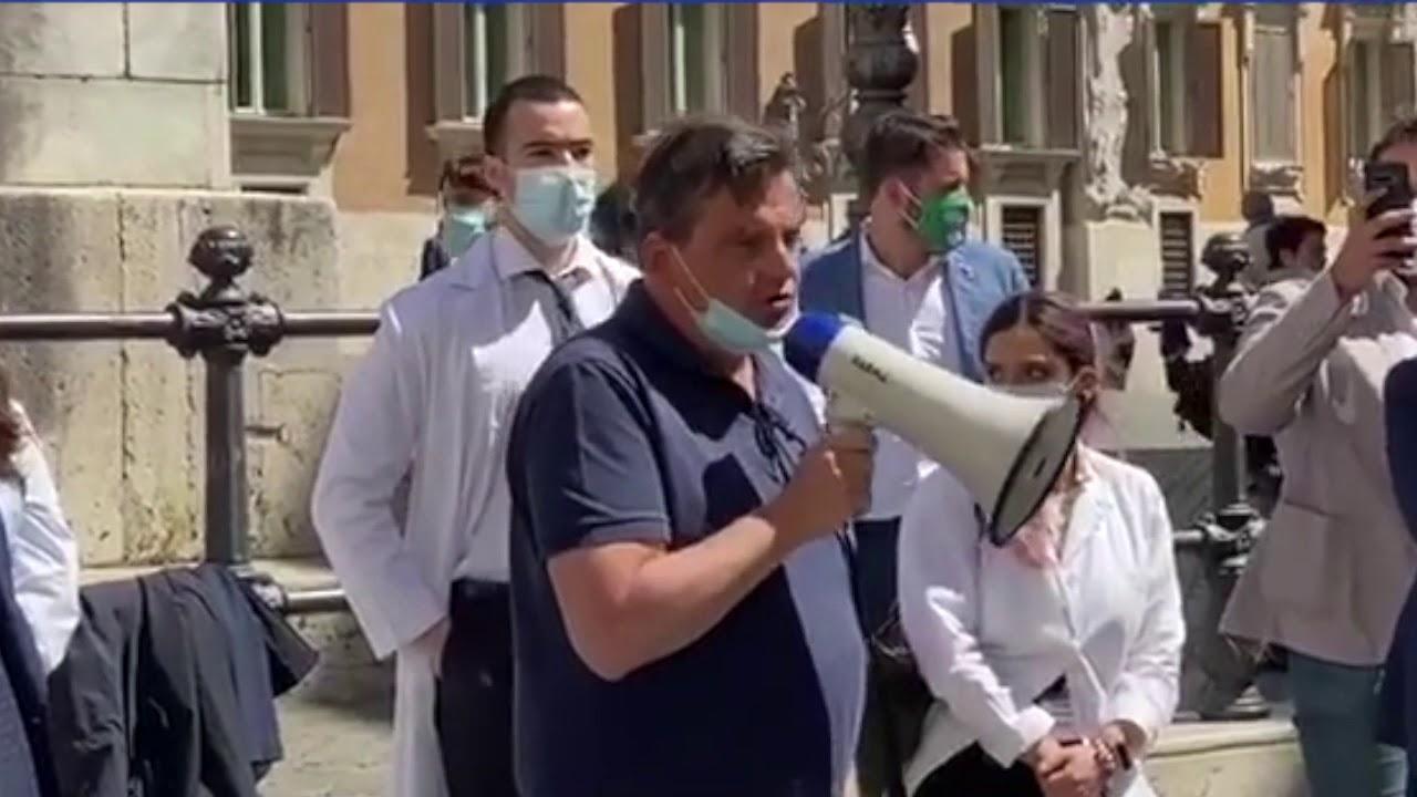 medici specializzandi protesta