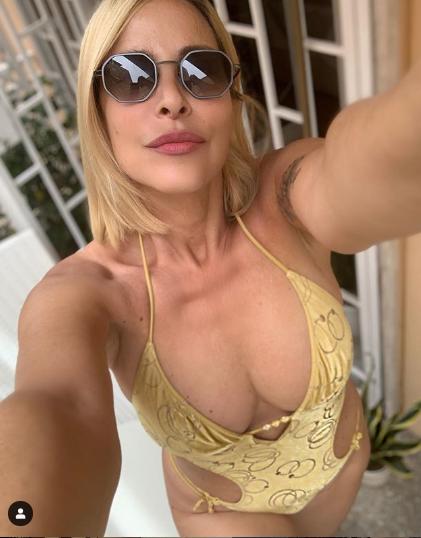 Stefania Orlando Instagram CARNE AL FUOCO FISICO
