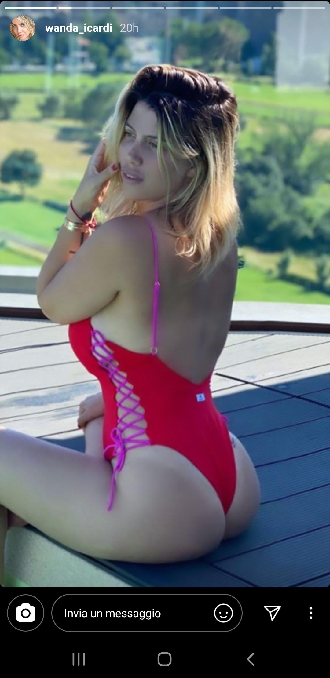 Wanda Nara Instagram: foto da censura a bordo piscina, il la