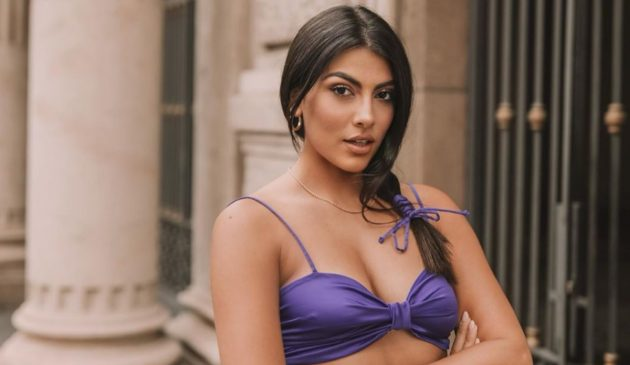 Giulia Salemi irresistibile in bikini ad Ischia, lato B di m
