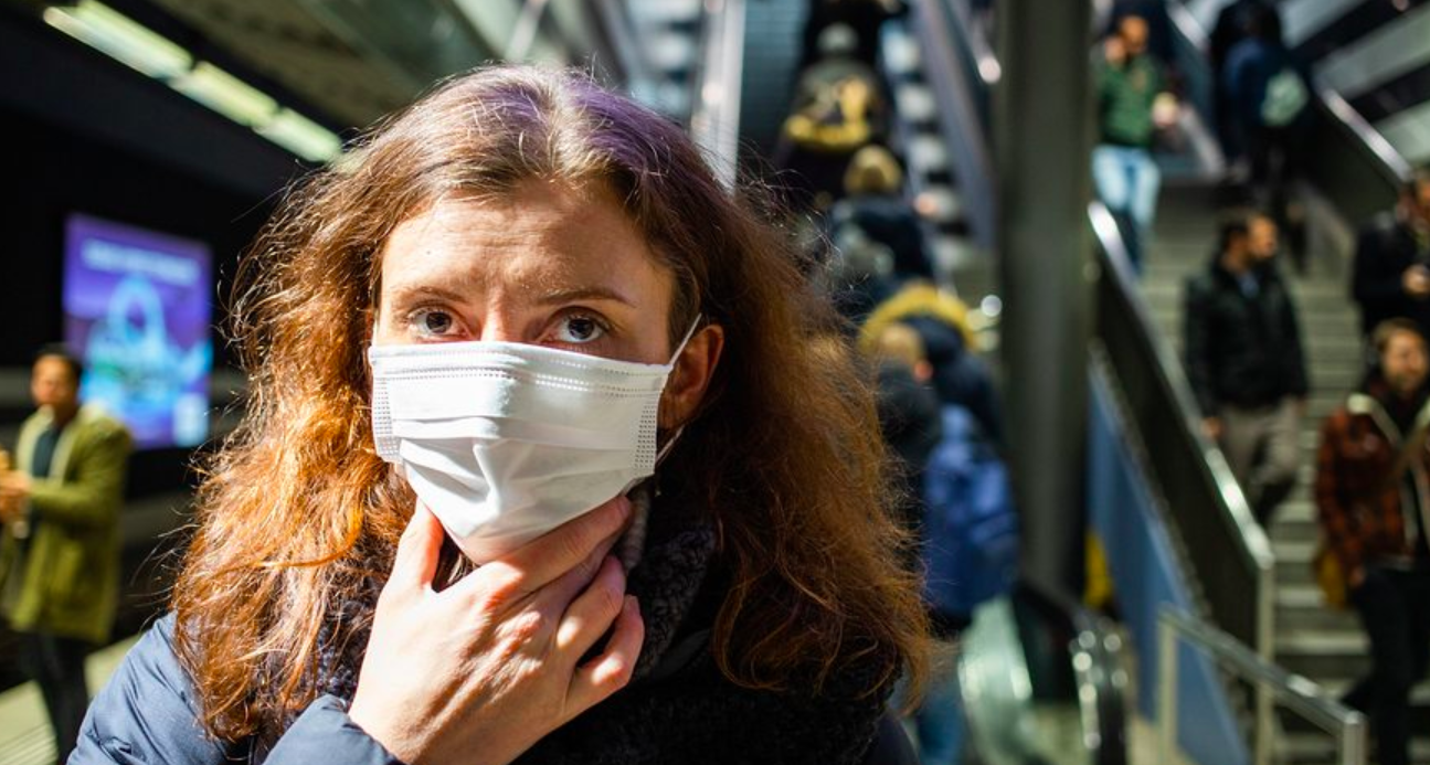 Coronavirus, Galli: «Il virus corre grazie ai super diffusor