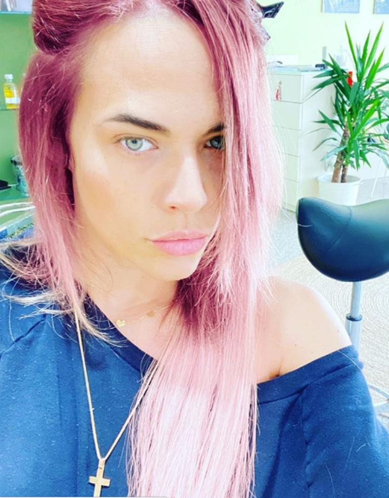 laura-chiatti-capelli-rosa