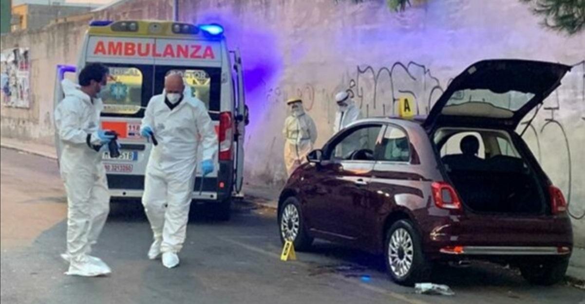 Brindisi, acido muriatico addosso al marito al culmine di una lite in strada: grave 52enne