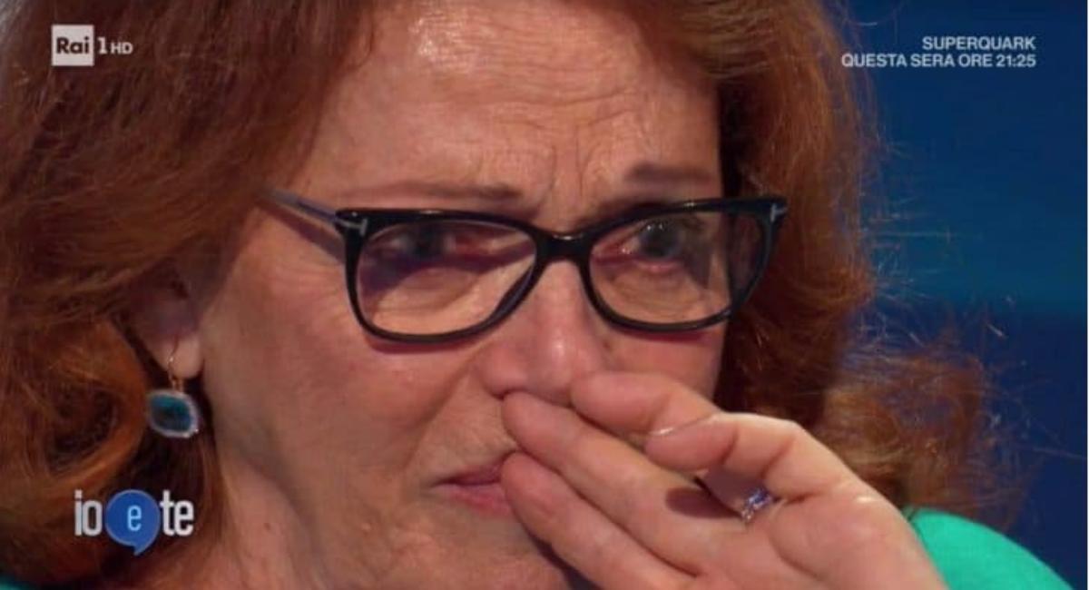 Valeria Fabrizi in lacrime