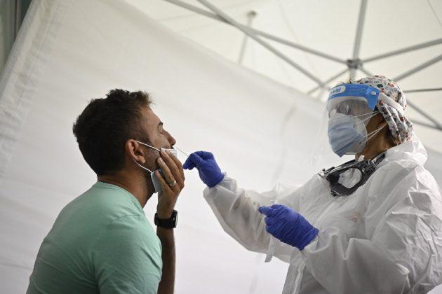 Covid, bollettino di oggi in Italia: 1.869 nuovi casi e 17 morti. Più contagi in Campania e Lombardia