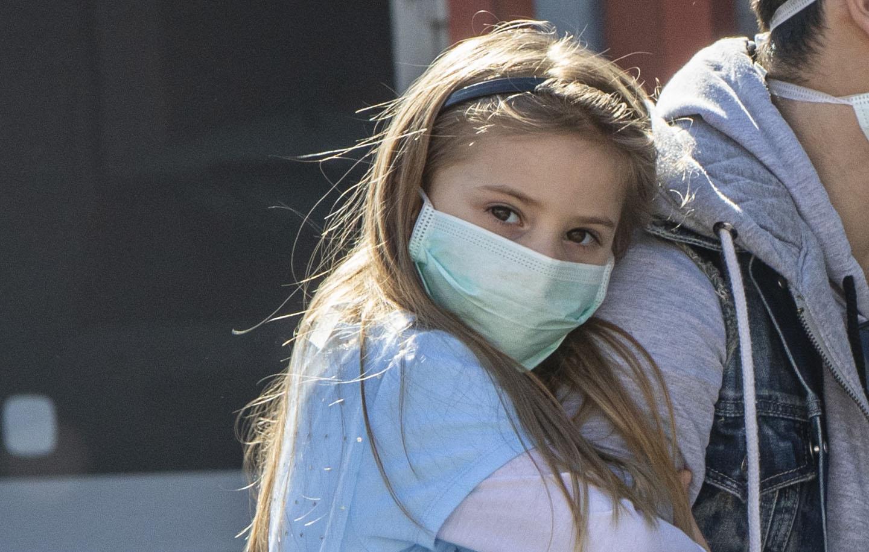 bambini mascherine a scuola coronavirus