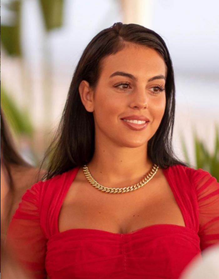 Georgina Rodriguez, gaffe a Venezia 2020: la modella sfila con l'etichetta