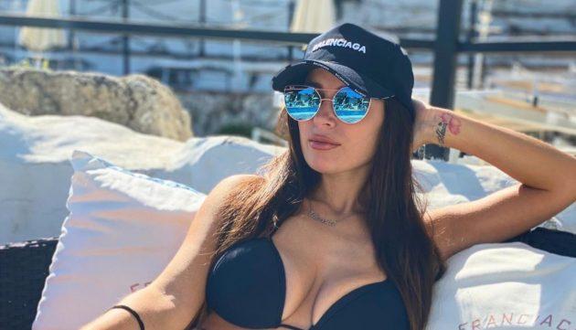 Alessia Macari Instagram, primo piano ipnotico: scollatura da sogno