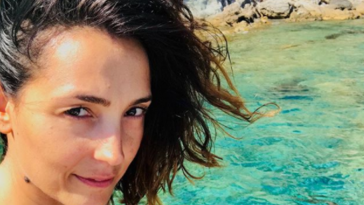 caterina-balivo-instagram-gambe-accappatoio