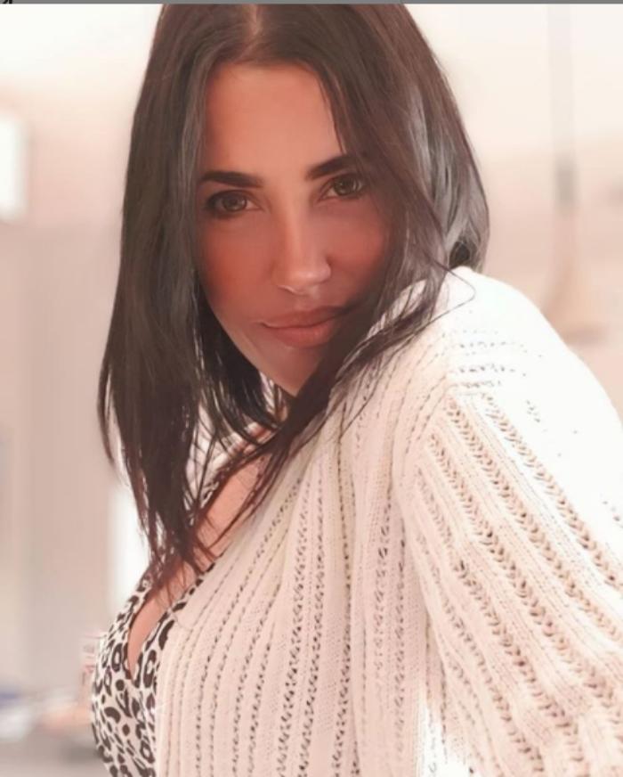 Claudia Ruggeri, camicia aperta e sotto… un'esplosione! – FOTO