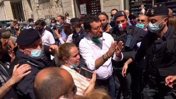 """Non ci sarà la seconda ondata"" Salvini senza mascherina"
