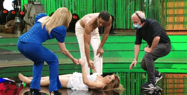 Ballando con le stelle, paura per Alessandra Mussolini: è accaduto in diretta