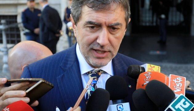 Marsilio ricolloca l'Abruzzo in zona arancione. Ma il Governo diffida