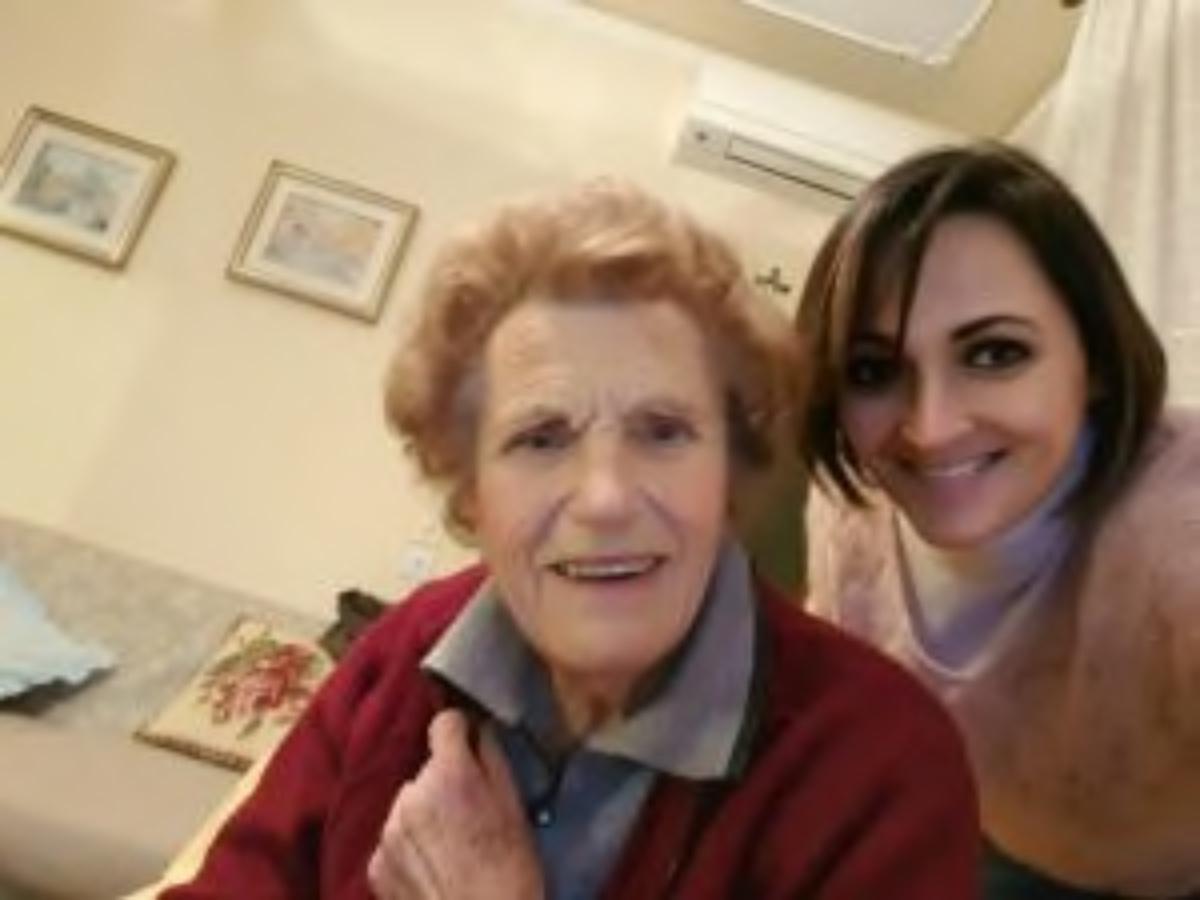 Nonna entrata in ospedale sana