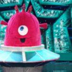 Il cantante mascherato Baby Alieno