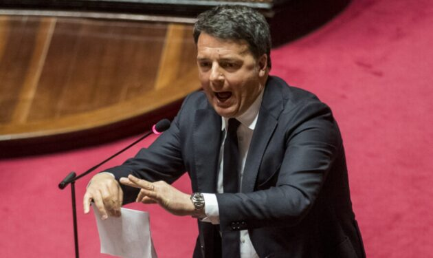 """Crisi governo, """"Il signor 2% deve darsi una calmata"""": il piano del M5s per """"ricattare"""" Renzi"""