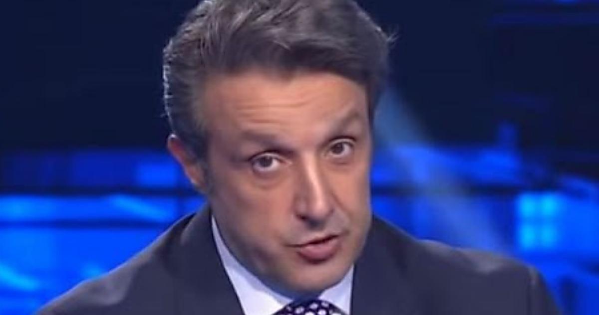 """""""L'eredità"""", Flavio Insinna sconvolto dal nuovo campione Leonardo: «È la prima volta!»"""