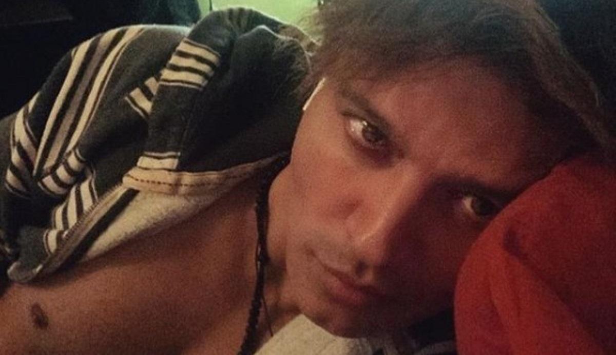 Gabriel Garko, la flebo spaventa i fan: le immagini dall'ospedale