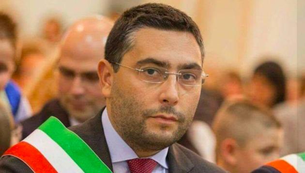 Rosarno, arrestate 49 persone per associazione mafiosa: tra loro anche il sindaco