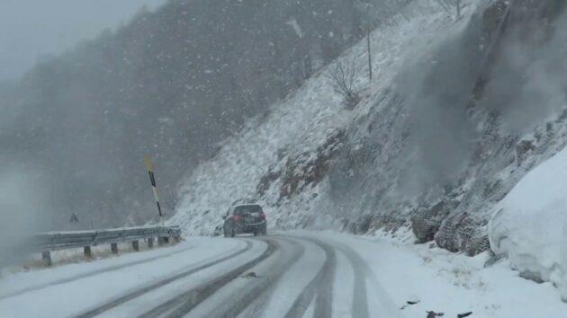 Valanga sul monte Terminillo, evacuato un hotel: slavina vicino alla seggiovia