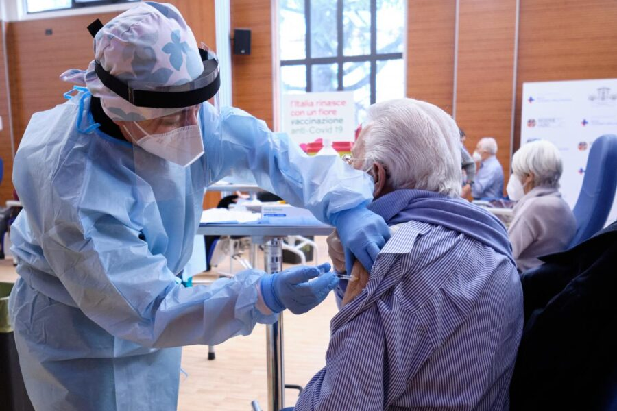 vaccino covid Astrazeneca