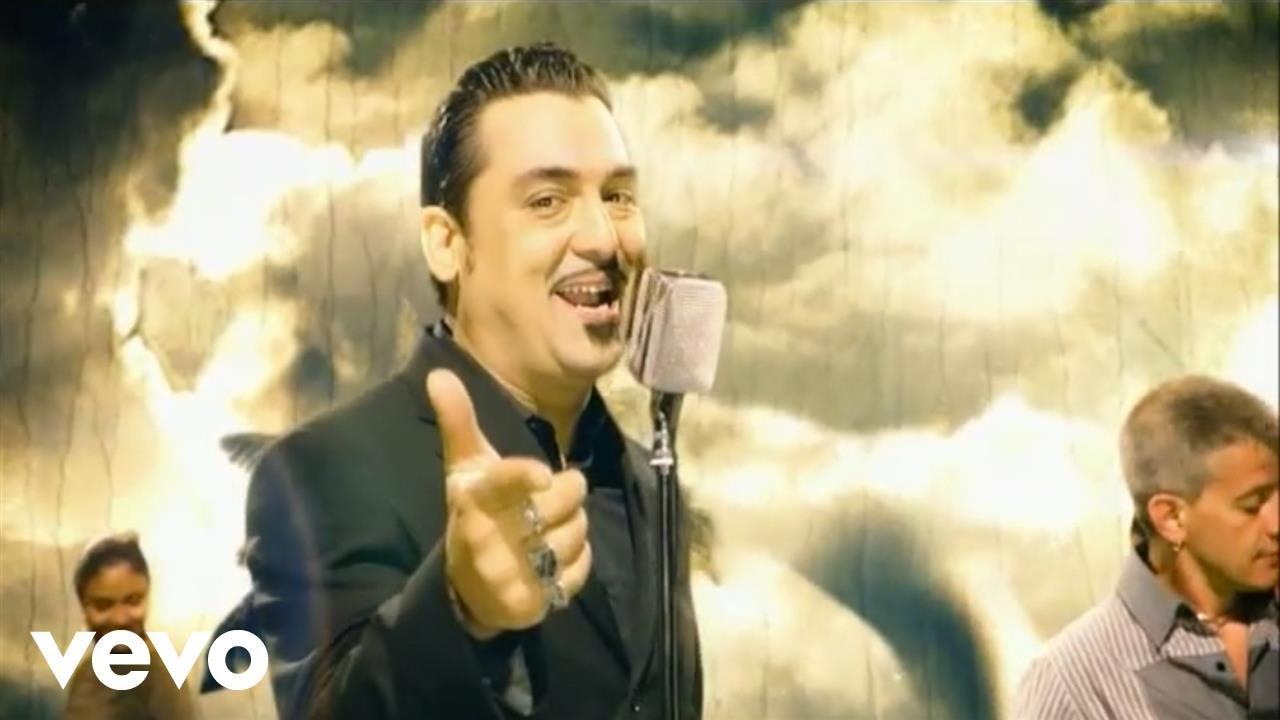 Chi è Roy Paci, l'eclettico trombettista e cantante siciliano