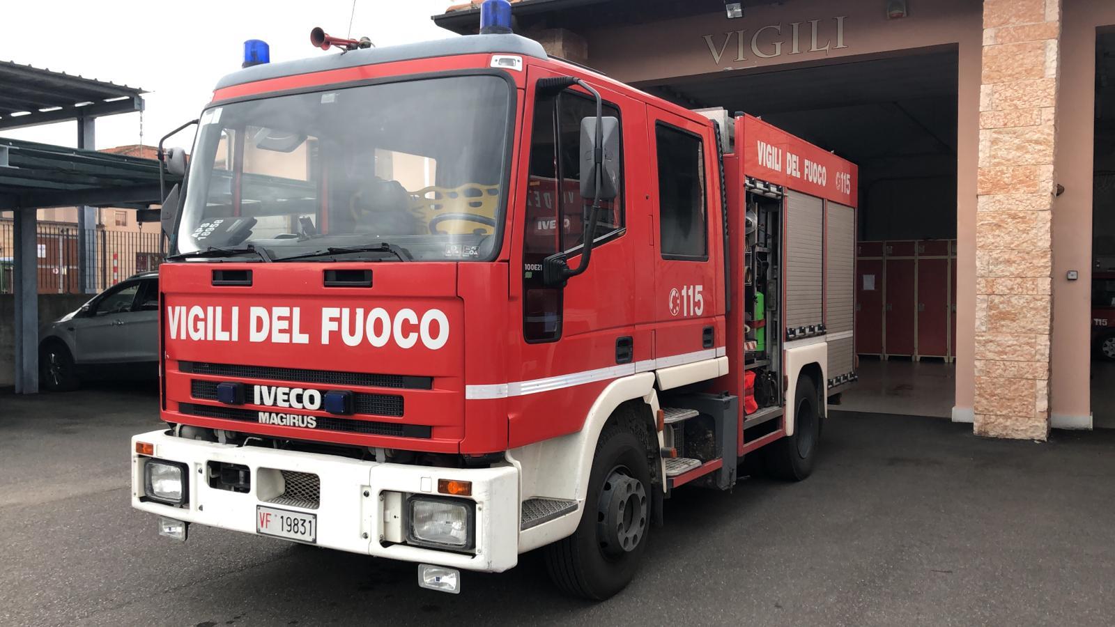 Roma incendio in pieno centro