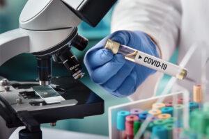 Ritardi e interruzioni: le conseguenze del Covid 19 sui sistemi sanitari del mondo