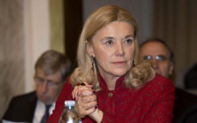 Chi è Elisabetta Belloni prima donna a capo dei servizi segreti: carriera e vita privata