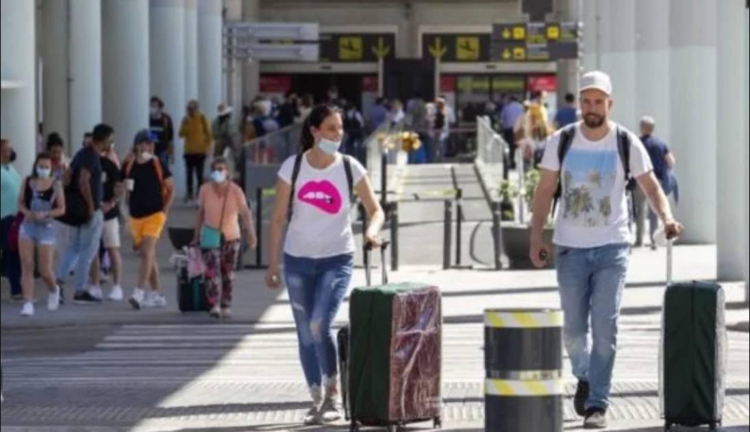 Covid oggi 835 casi e 31 decessi, solo Lombardia e Sicilia sopra i 100 nuovi contagi