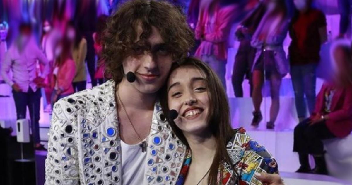 Sangiovanni e Giulia Stabile vacanza