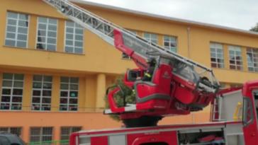 Potenza incendio tetto scuola