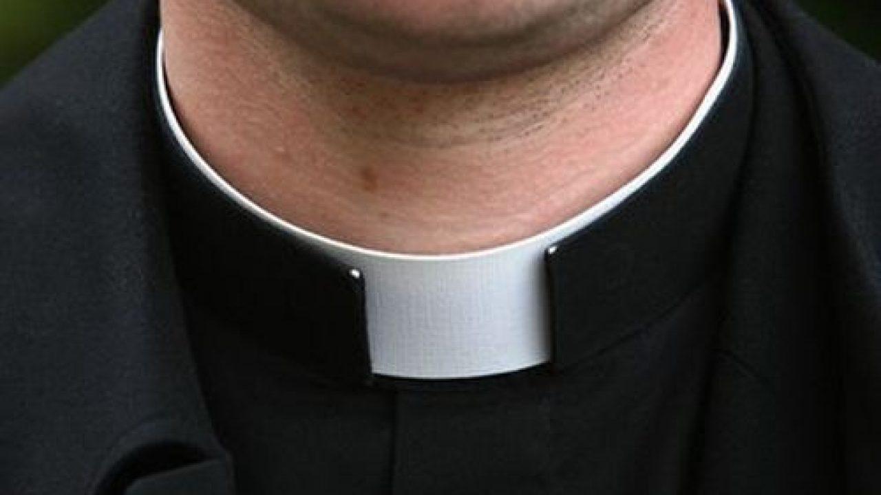 prato prete arrestato